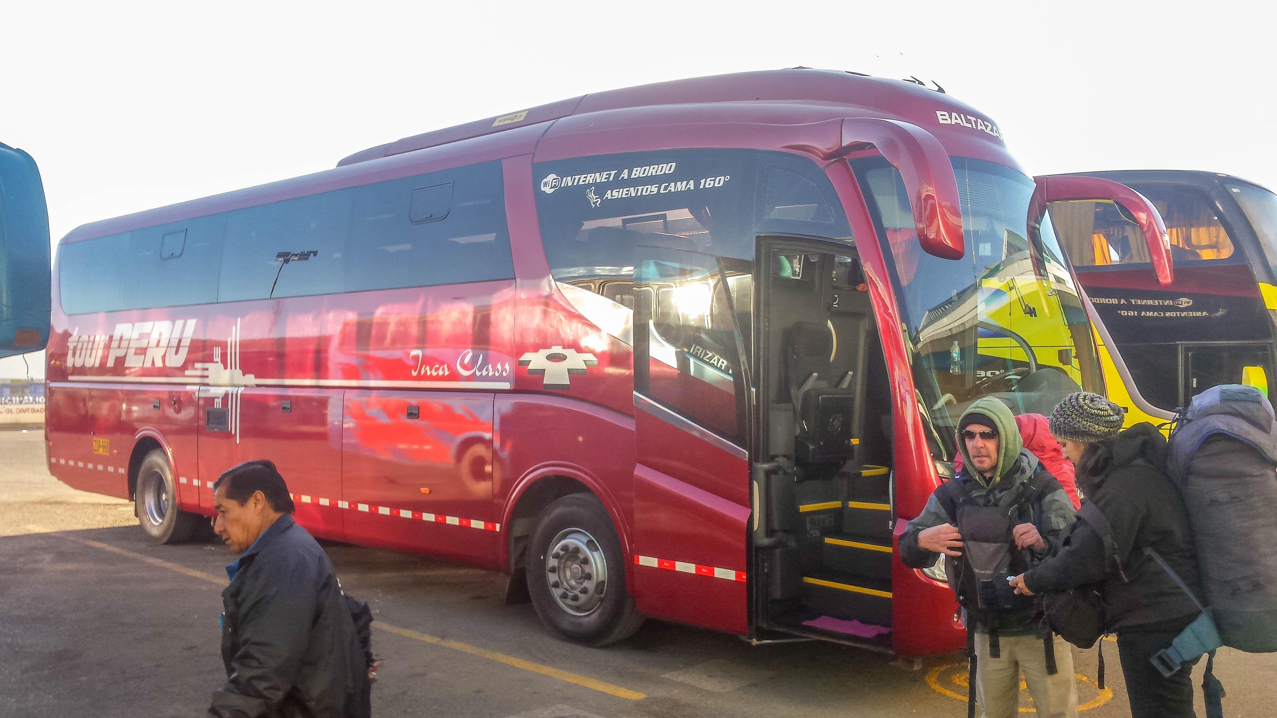 bus tour peru